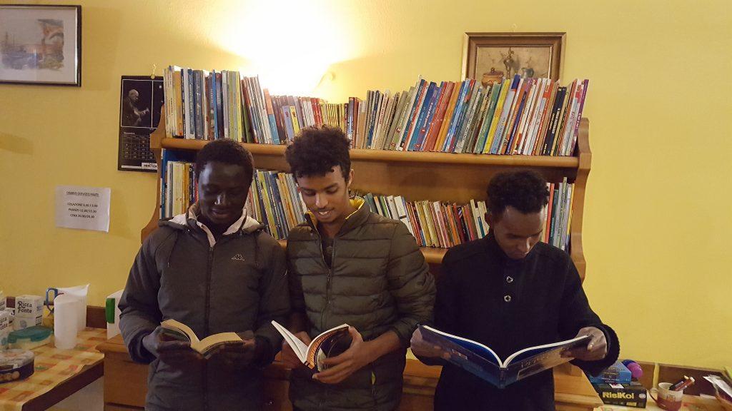 Lettori di Vogogna con i libri di Book-Cycle
