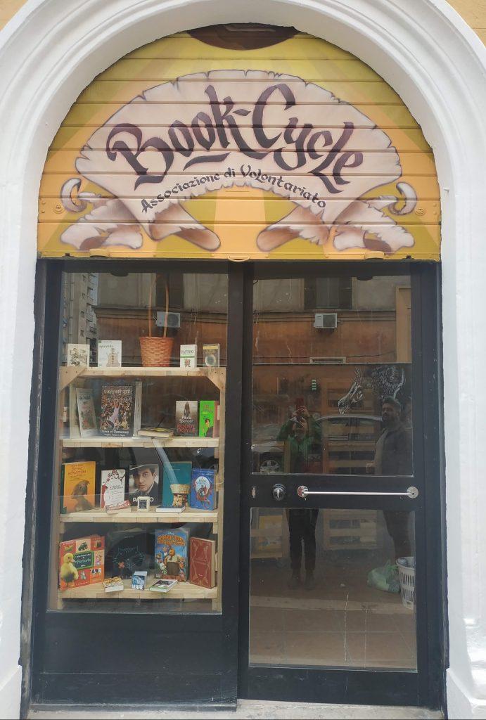 La libreria di Book-Cycle a Torpignattara